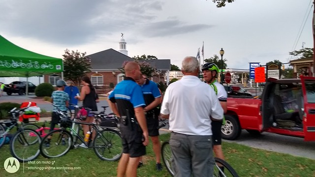 Seaford Police riding the Glow ride