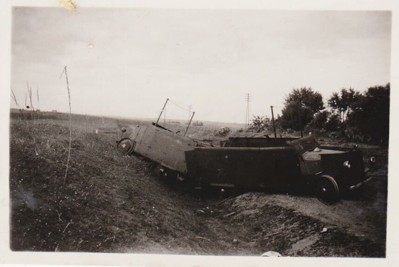 Armoured-trolley-wrecked-1938-hri-2