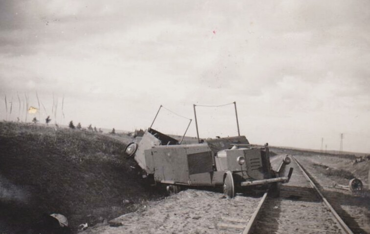 Armoured-trolley-wrecked-1938-hri-3
