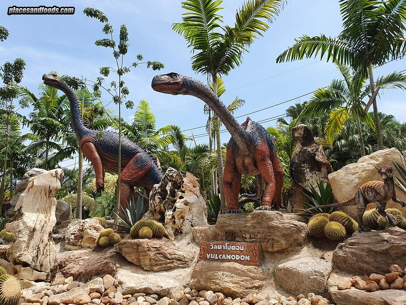 dinosaur park nong nooch vulcanadon
