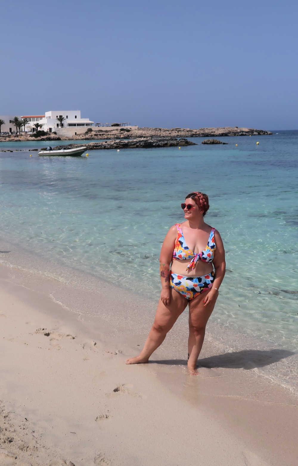 Outfit bikini curvy colorato (4)