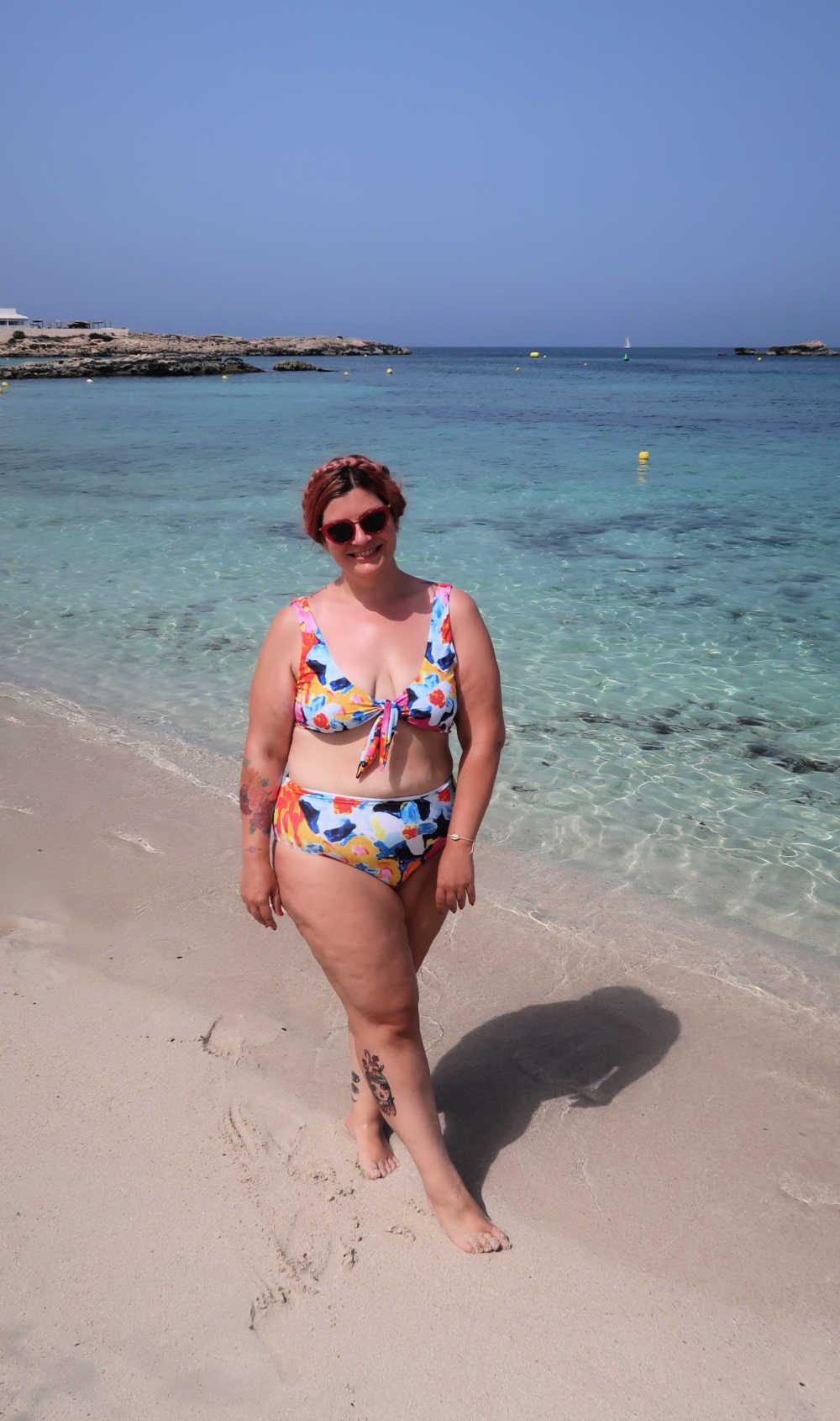Outfit bikini curvy colorato (3)
