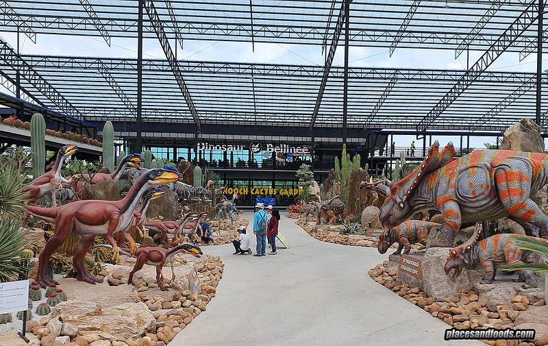 dinosaur park nong nooch garden