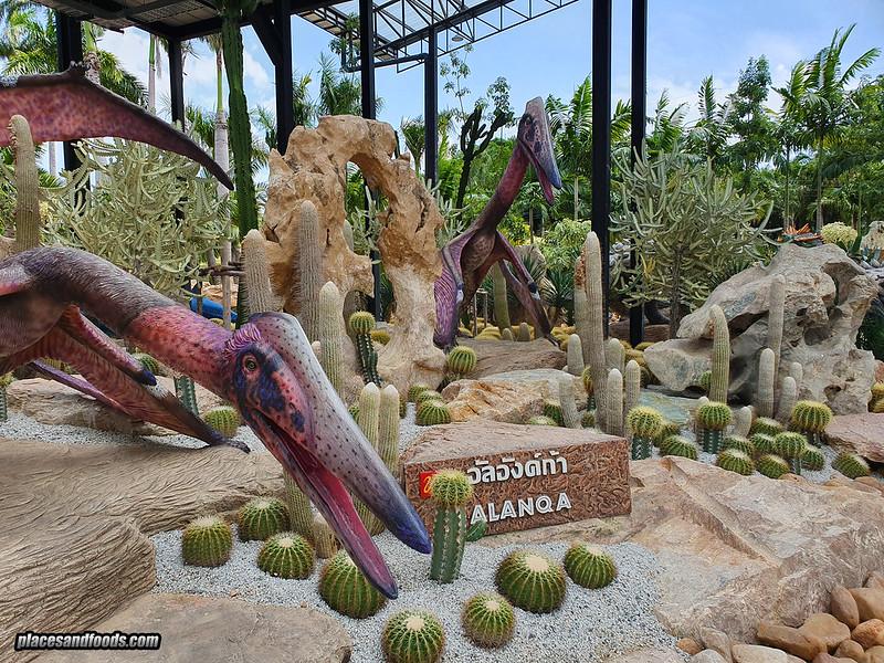 dinosaur park nong nooch bird