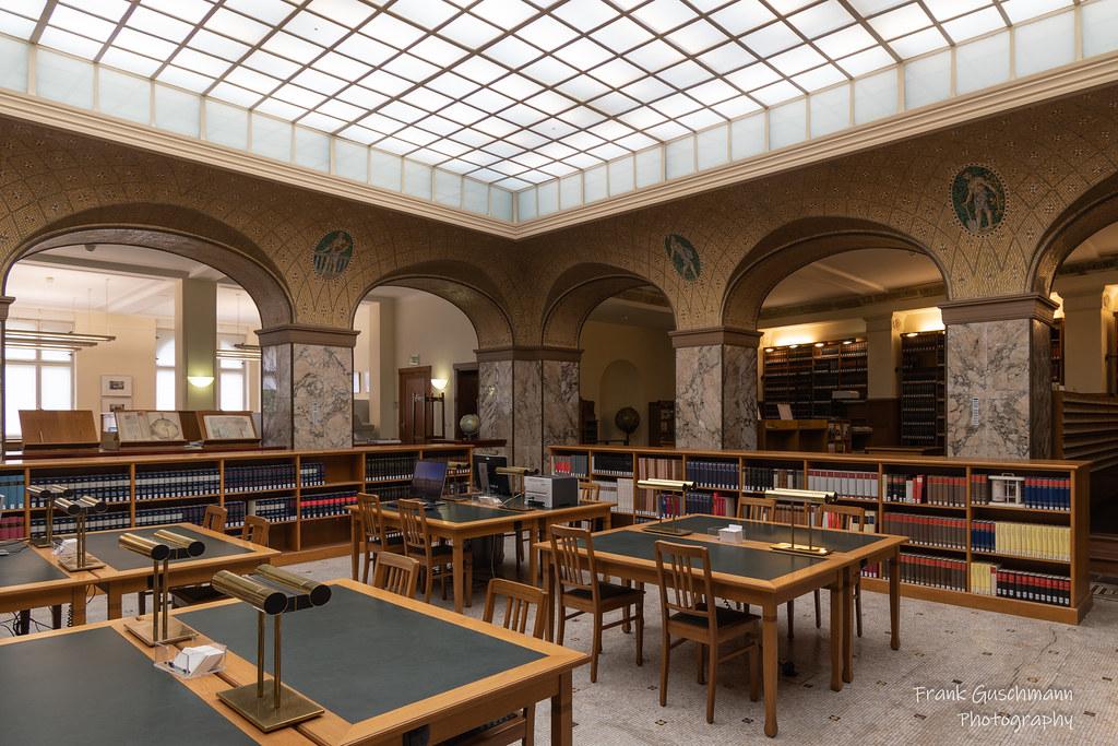 Hu Adlershof Bibliothek