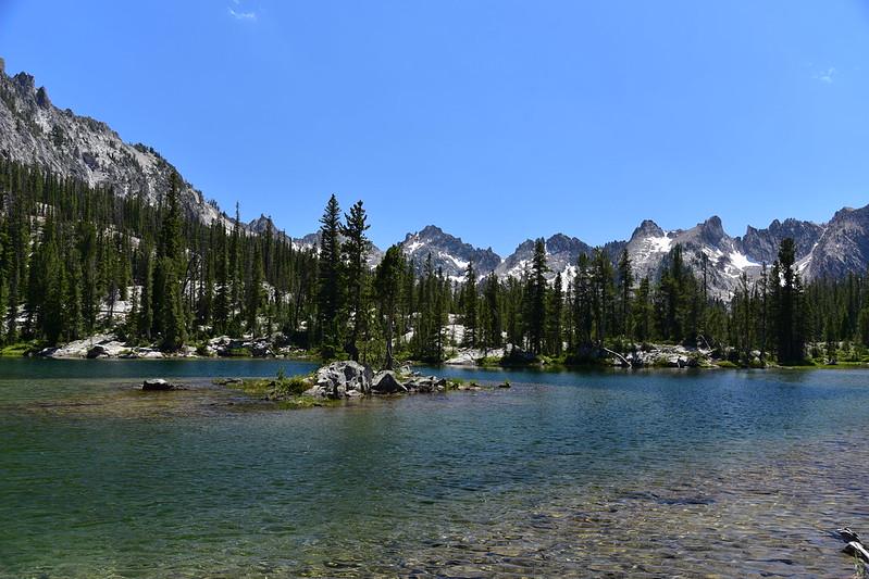 Hiking to Alice Lake