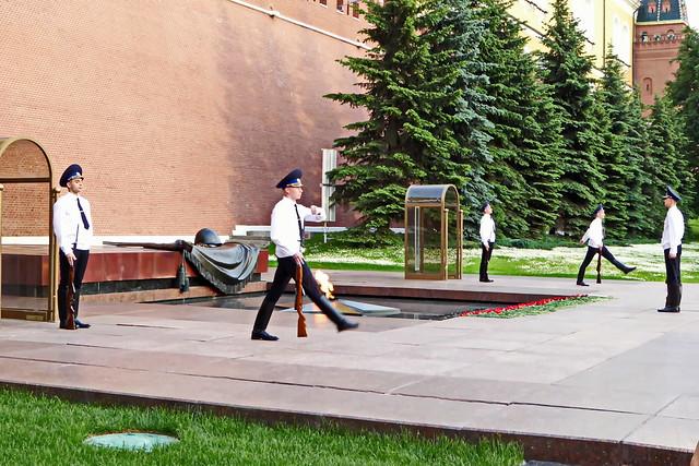 Wachablösung - Grabmal des unbekannten Soldaten