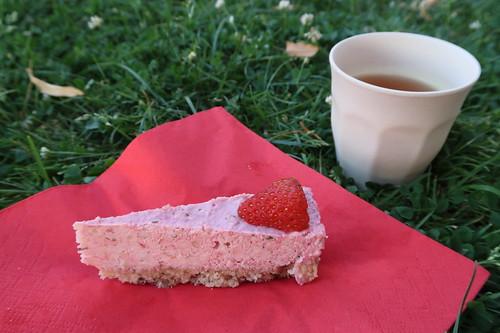 Vegane Erdbeer-Basilikum-Torte