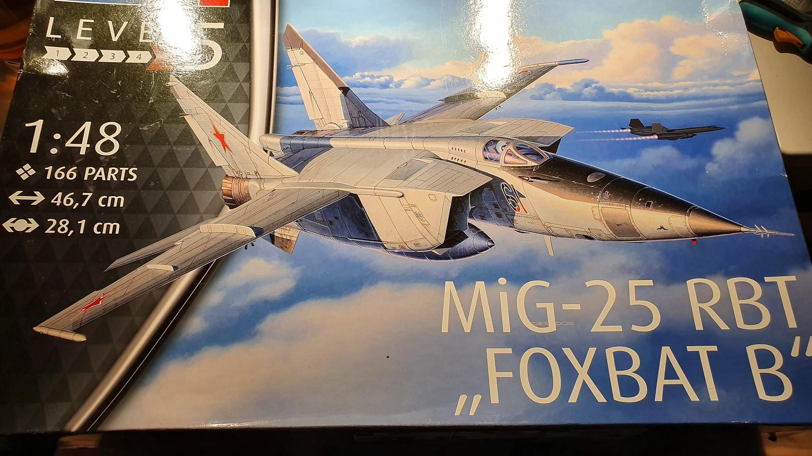 MiG-25BM Iraqi Air Force 1988 - ICM/Revell 1/48 + extra 48482711181_7ba4c544f9_h