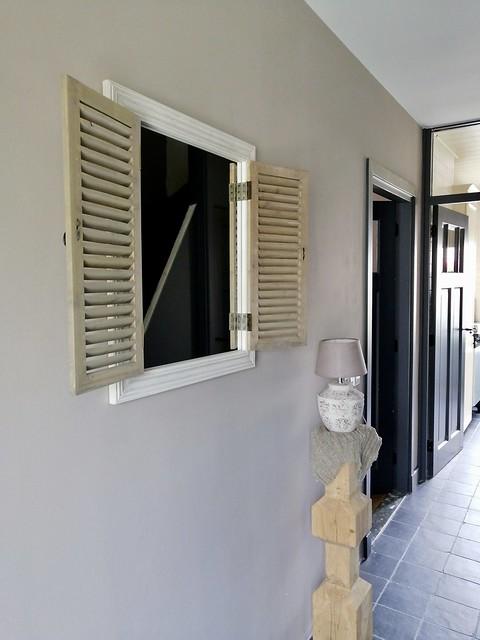 Spiegel met luikjes landelijke hal
