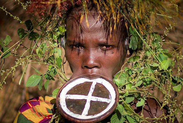 Suri Tribe, People of the Omo Valley, Ethiopia - Tribu Suri, Peuple de la Vallée de l'Omo, Éthiopie