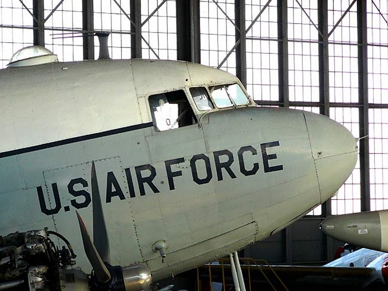 道格拉斯的C-47轨4