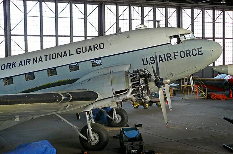 道格拉斯的C-47轨2