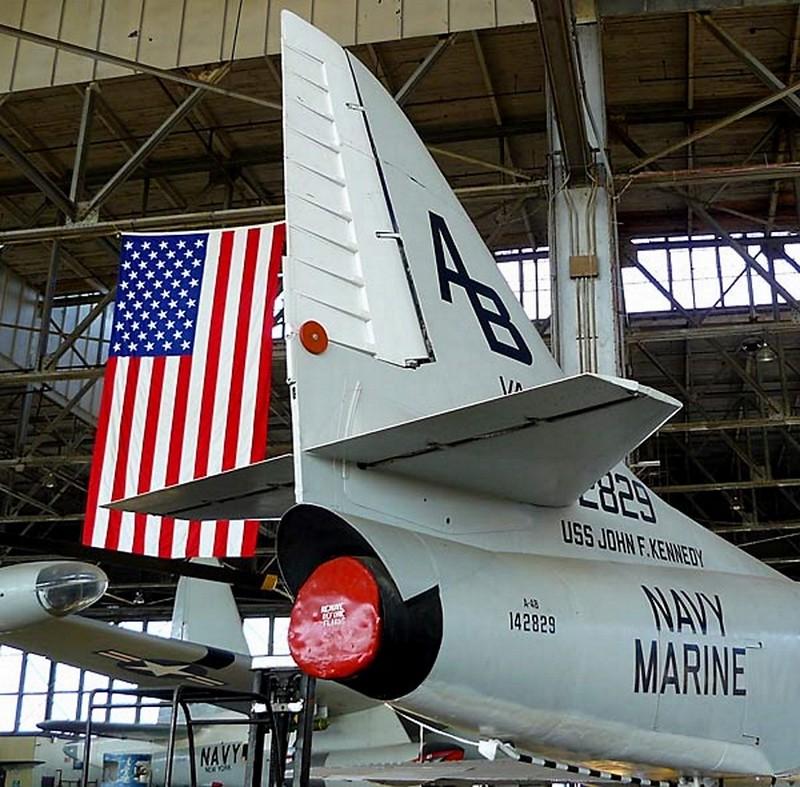 Douglas A-4B Skyhawk 2