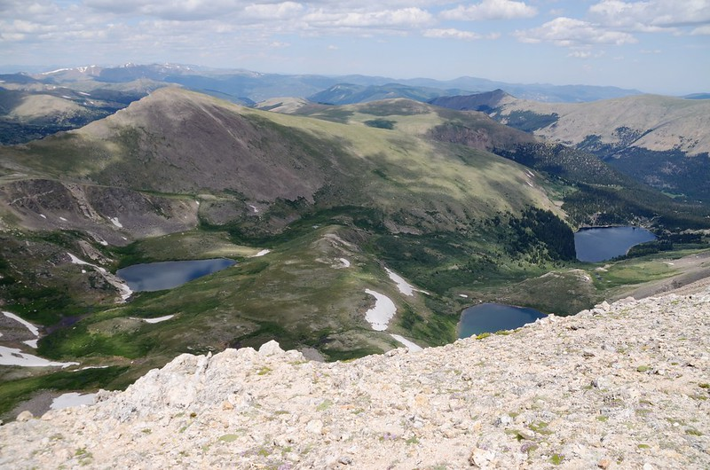 Looking down to Murry Reservior、Silver Dollar Lake & Maylor Lake from  Square Top Mountain's summit (1)