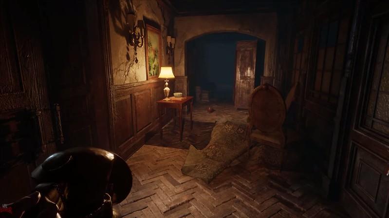 银色链子 - 在大厅里的灯笼