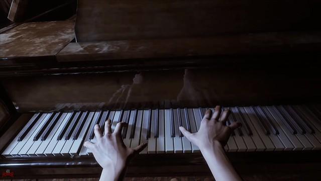 सिल्वर चेन्स - द पियानो