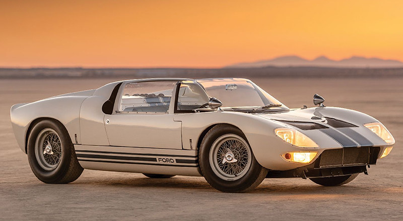 9c70f562-1965-ford-gt40-roadster-1