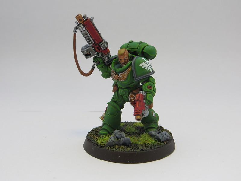 DA Primaris Lieutenant Bolter
