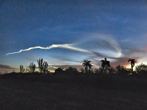 Atlas V rocket 35 min before before sunrise  35 min before before sunrise 06-20190808
