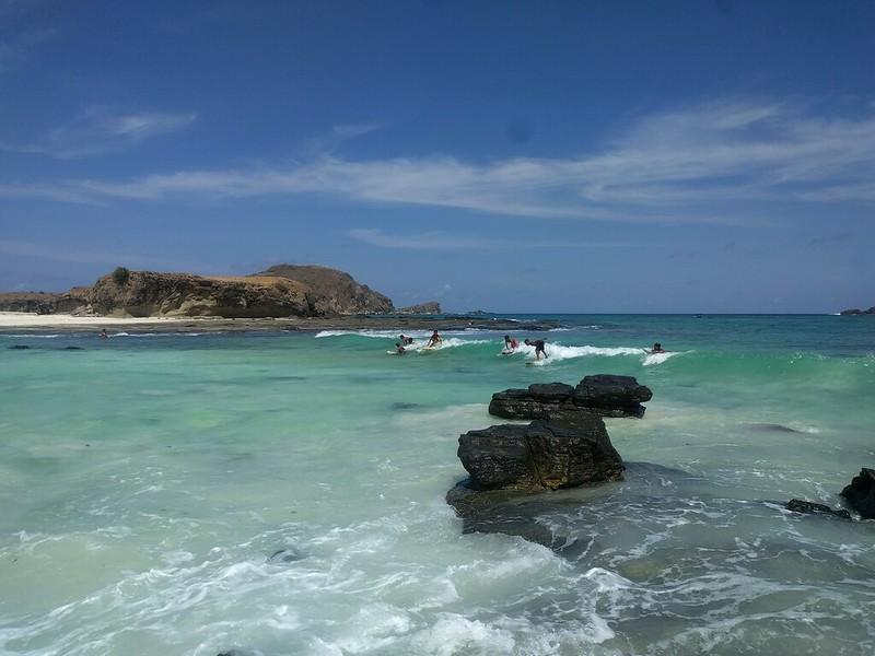 Surf en la orilla en Tanjung Aan