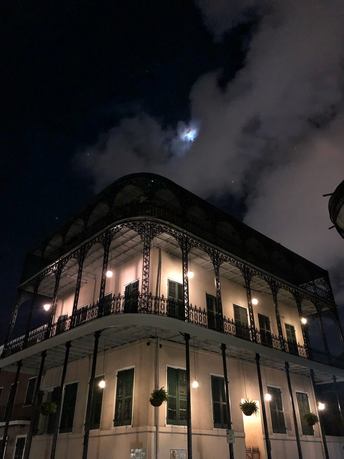 New Orleans Ghost Tour | French Quarter | How to Spend 48 Hours in New Orleans in the Summer | New Orleans Travel Guide | What to do in New Orleans | 2 Days in New Orleans | Best Things to do in New Orleans | First Timer's Guide to NOLA | NOLA Travel Guide | 2 Day Itinerary for New Orleans