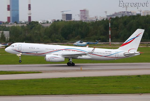 RA-64056 Tupolev 204 RUSAIR