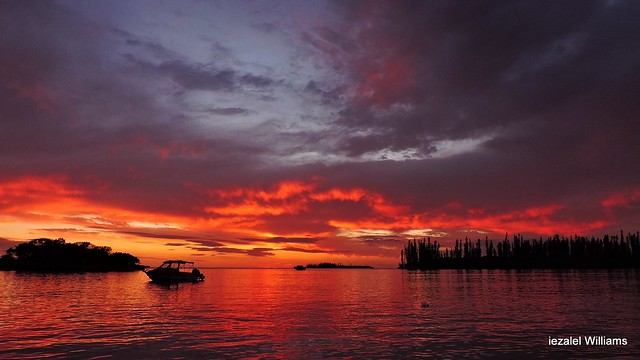 Sunset in Isle of Pines in New Caledonia part2 by iezalel williams DSCN9247-001