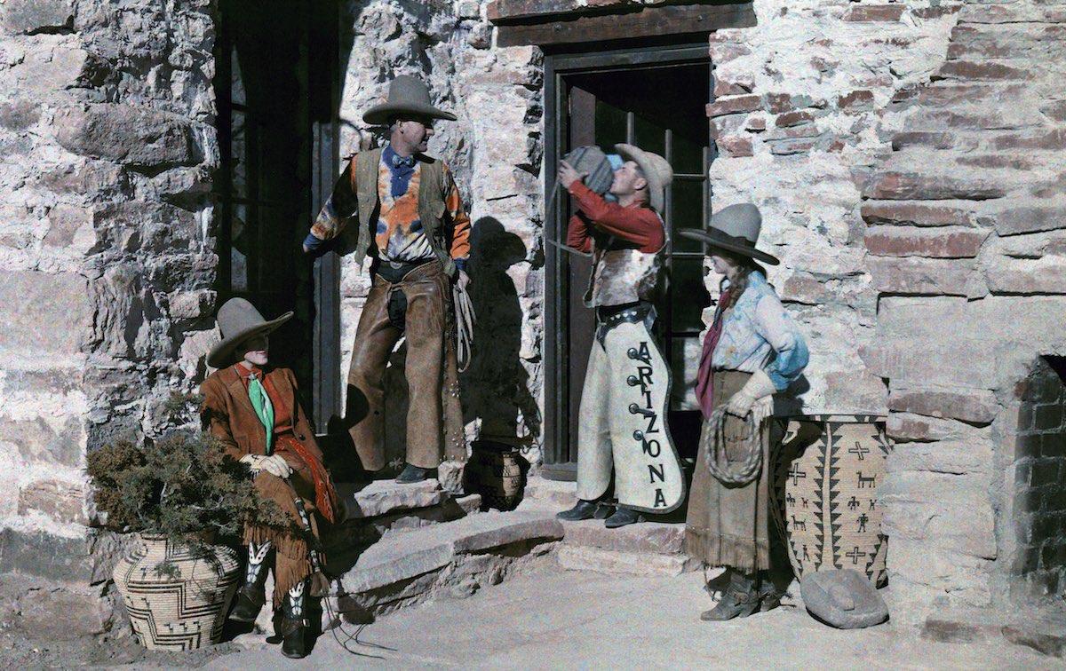 1929. Аризона – ранчо, на котором гости могут почувствовать себя ковбоями. Клифтон Р. Адамс