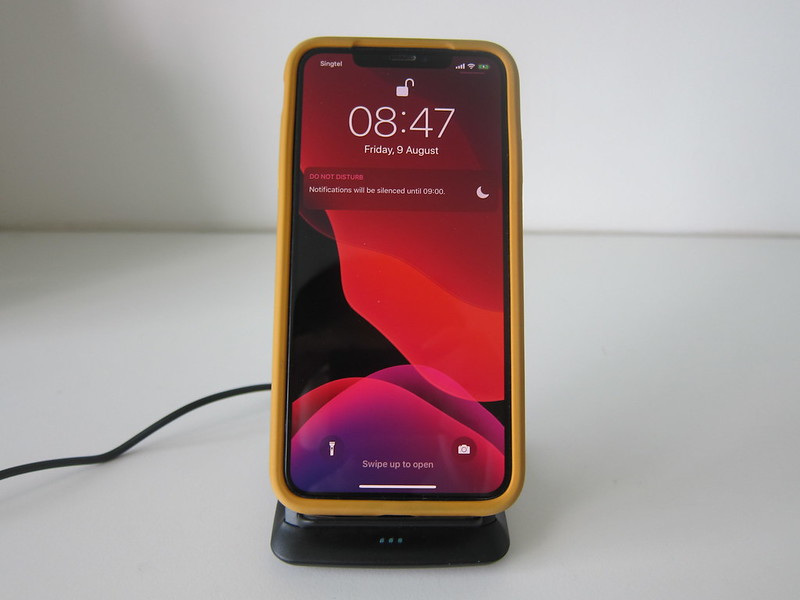 Choetech 15W Wireless Charger Stand - With iPhone XS Max - Front
