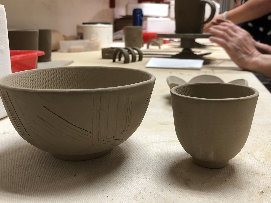 寶來人文發展協會引入製陶課程,圖為半成品。攝影:廖靜蕙