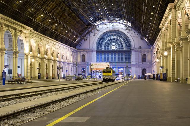 Midnight, Budapest Keleti pályaudvar