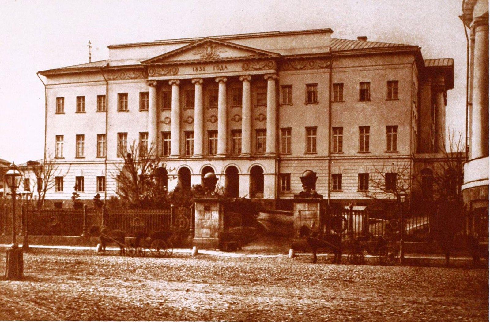 Здание Московского университета (новое)