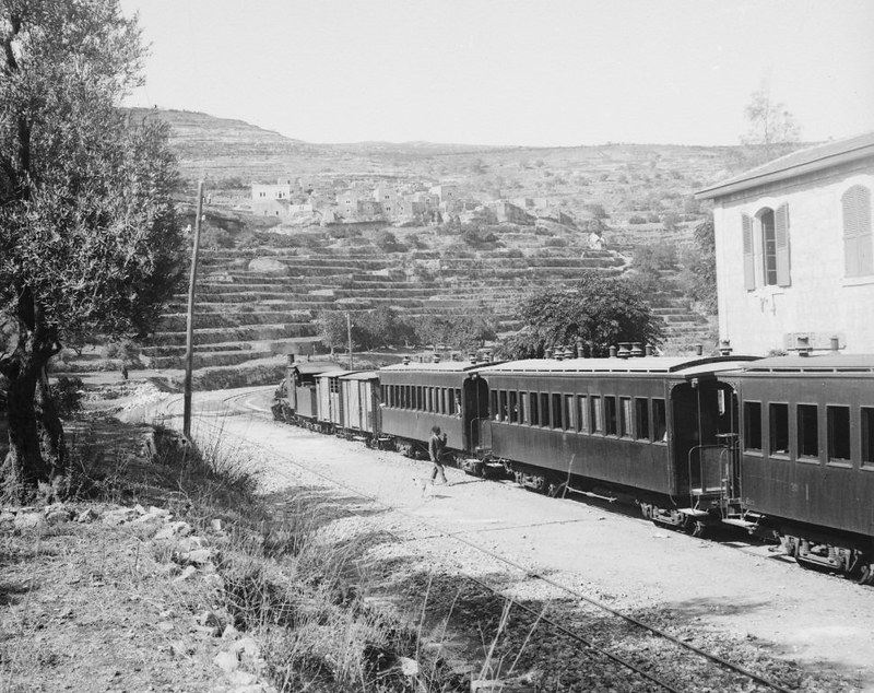 OR-Bittir-train-station-c1900-twi-1