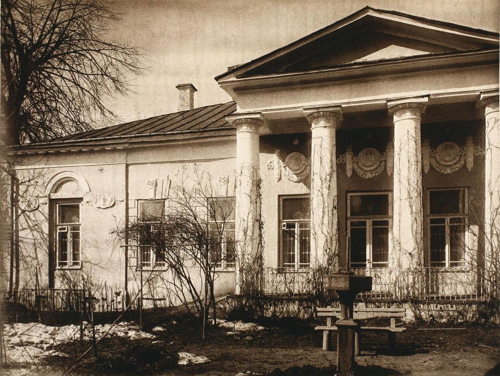 Софийская больницв на Садовой. Флигель