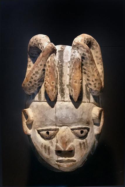 Masque Yoruba (Musée du quai Branly-Jacques Chirac, Paris)