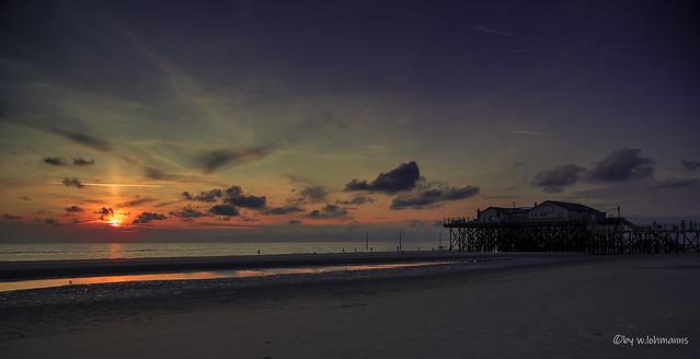 Seekiste zum Sonnenuntergang