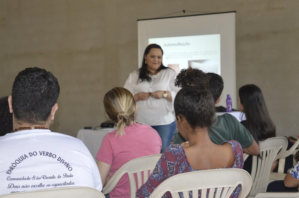 Formação de Catequistas com a psicóloga katiúscia