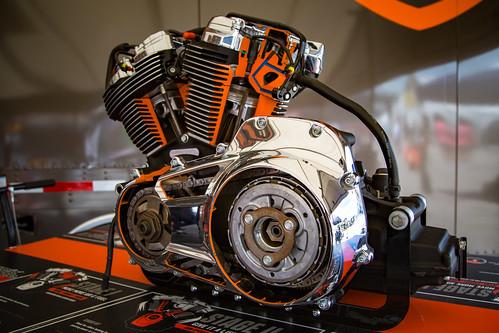 HD Cutaway Engine Display
