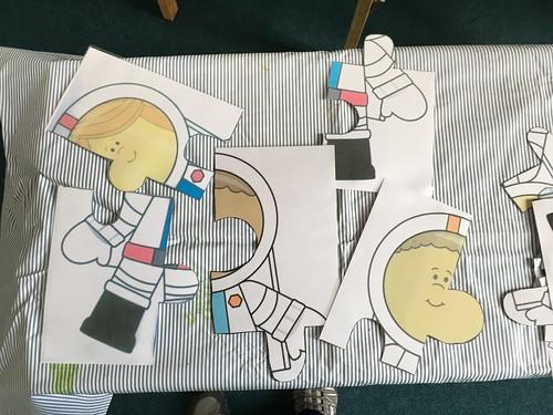 Space jigsaw game