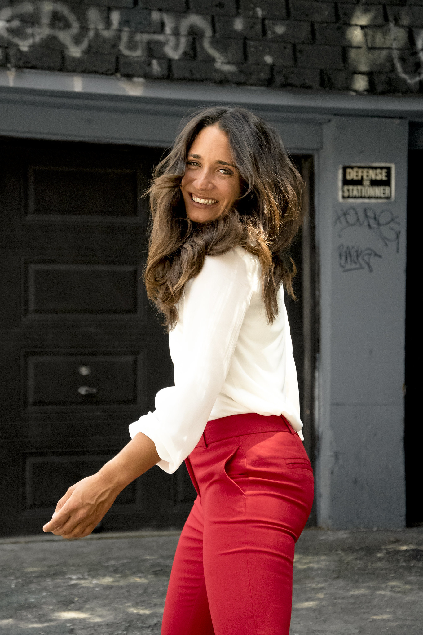 camille dg pantalons rouges garage