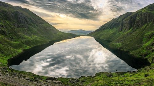 2019 comeraghs coum coumshingaun lake landscape lough outdoor reflection rocks summer sun sunrise cirque clouds corrie glacial green hiking ireland loch mountain munster shadow sky stones sunflare waterford