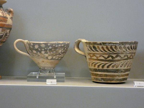 tasses mycéniennes 16 s BC
