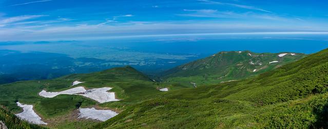 鳥海湖、笙ヶ岳、千畳ヶ原、月山森、大小雪渓