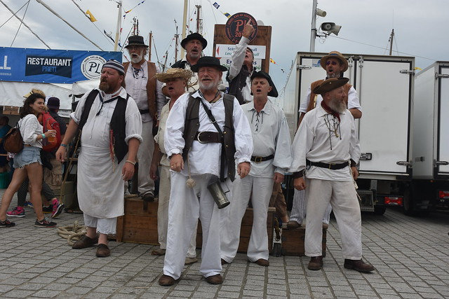 the Exmouth Shanty Men  by Pirlouiiiit 03082019