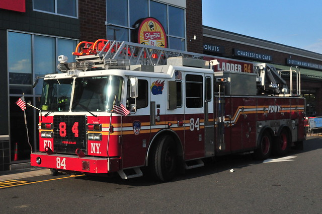 FDNY Ladder 84