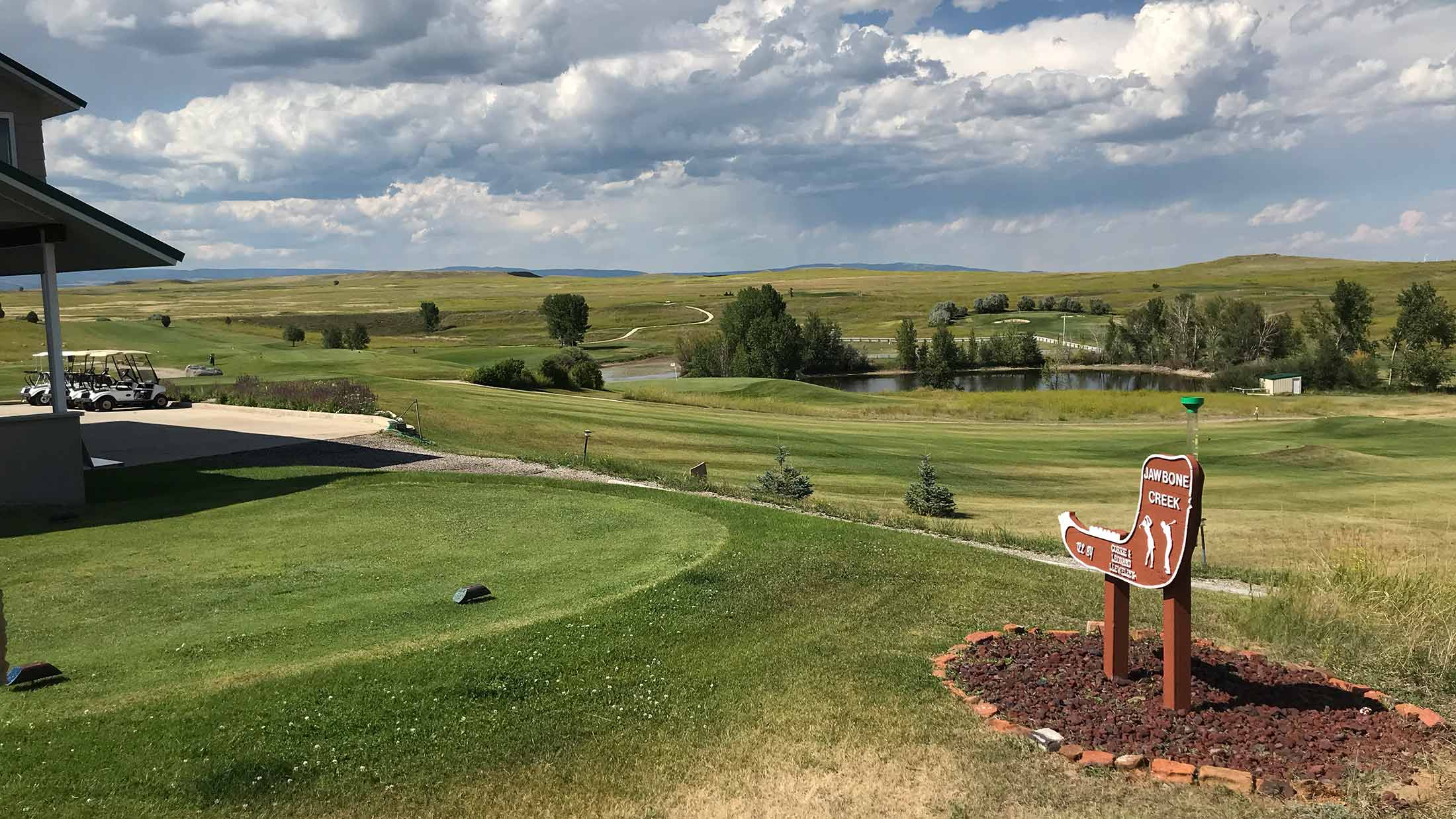 9 hole golf course, clubhouse, driving range and practice green located in Harlowton, Montana on Highway 12 in Wheatland County.