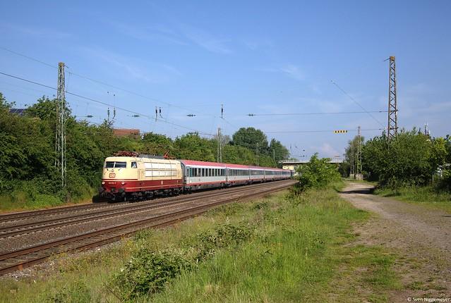 103 113-7 mit dem IC119 von Münster(Westf.) Hbf nach Innsbruck Hbf in Sechtem am 18.05.14