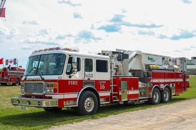 County of Brant Fire Department Ladder 16 (2) (2006 American LaFrance Eagle/LTI Platform).