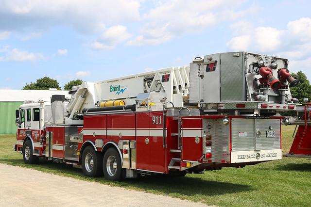 County of Brant Fire Department Ladder 16 (1) (2006 American LaFrance Eagle/LTI Platform).